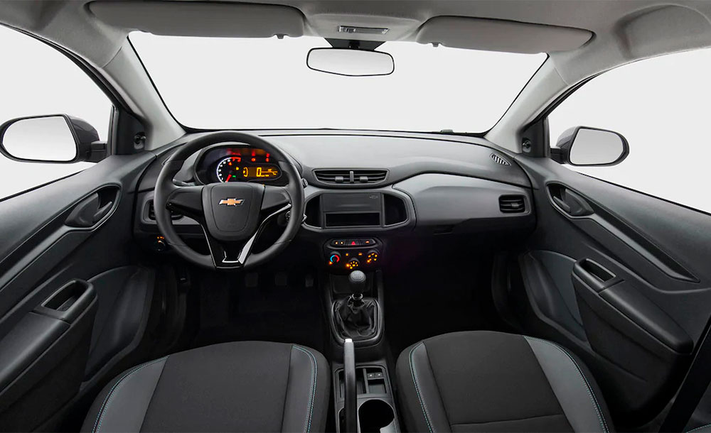 Interior espartano do Chevrolet Joy 2020