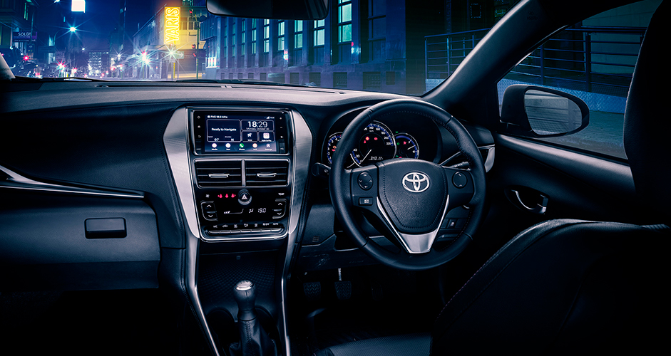 Toyota-Yaris-2019-interior
