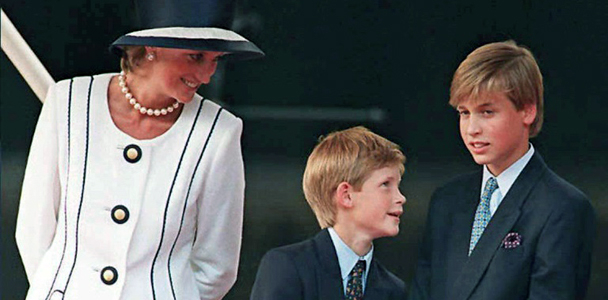 (1995) Diana, Harry e William participam de cerimônia em Londres (AFP)